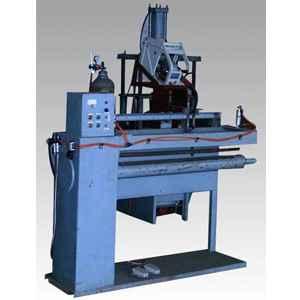 自动焊机(生产设备)